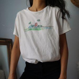 Columbia Beach Graphic White T Shirt Large